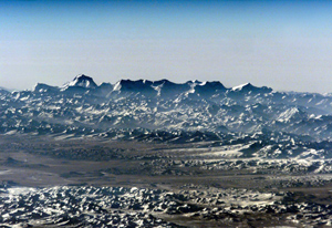 """image credit: Expedition 1, ISS, EOL NASA; <a href=""""http://apod.nasa.gov/apod/ap011226.html"""" target=""""_blank"""">image source</a>; <a href=""""http://www.physicstogo.com/images/features/himalaya-large5-28-08.jpg"""" target=""""_blank"""">larger image</a>"""